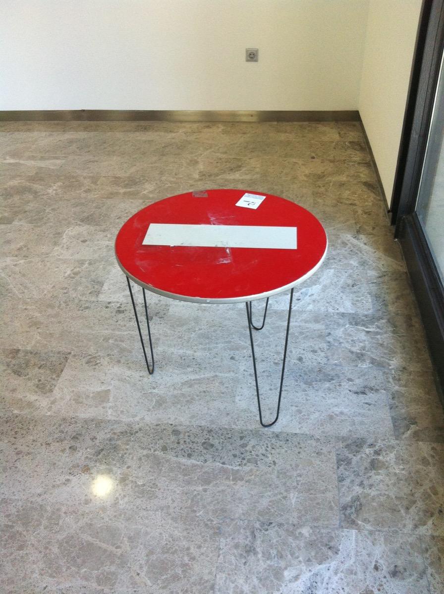 Mesa Prohibida